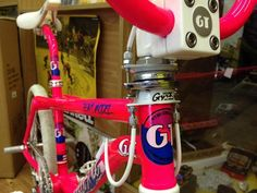 1987 GT Pro Freestyle Tour Team Model - BMXmuseum.com Vintage Bmx Bikes, Vintage Skateboards, Bmx Bandits, Fox Racing Logo, Gt Bikes, Gt Bmx, Old Scool, Bmx Street, Team Models