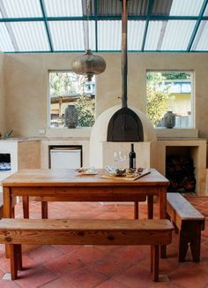 Tonia & Gregory's Warm Coastal Home — House Tour