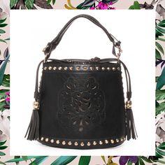 On adore ce sac seau à pompom trop mignon ! #modeuse #tenue #été #2016 #blog #mode #soldes #sales #summersale