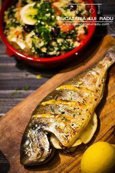 Dorada la grill cu harissa. Sos nord-african, si lamaie. Fish Recipes, Barbecue, Seafood, Grilling, Turkey, African, Chicken, Meat, Tiramisu