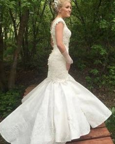 This wedding gown is stunning, AND made out of toilet paper! WOW!