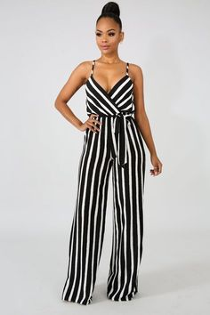 So, if you ready let's have a look at these stylish jumpsuits for women. Striped Jumpsuit, Black Jumpsuit, Chic Outfits, Fashion Outfits, Fashion Fashion, Stripped Pants, Palazzo Jumpsuit, Look Girl, Looks Plus Size