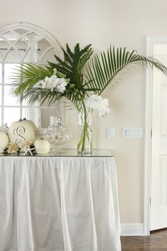 Simple Clean Orchid and Foliage Arrangement Tropical Centerpieces, Tropical Flower Arrangements, Wedding Arrangements, Wedding Table Centerpieces, Table Decorations, Wedding Bouquets, Wedding Flowers, Palm Wedding, Wedding Beach