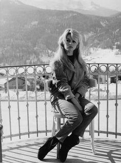 Miss Brigitte Bardot : Photos Brigitte Bardot, Bridget Bardot, Marlene Dietrich, Films Cinema, Greta, French Actress, Mode Vintage, Vintage Vibes, Classic Beauty