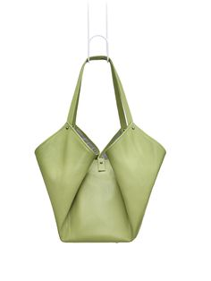 COROLLA pea-green. The five-pocket-bag in blossom-shape