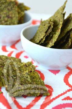 Raw crackers do zucchine Plant Based Recipes, Raw Food Recipes, Crackers, Avocado Toast, Food And Drink, Low Carb, Lunch, Homemade, Snacks