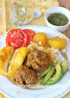 Colombian Sudado de Albondigas / Meatball Stew served over rice. Colombian Dishes, My Colombian Recipes, Colombian Cuisine, Comida Latina, Meatball Stew, My Favorite Food, Favorite Recipes, Cooking Recipes, Healthy Recipes