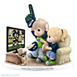905761001 - Figurine: Precious Moments Every Day Is A Touchdo…