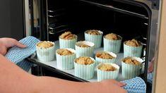Matpakkemuffins med brunost Mini Cupcakes, Muffins, Lunch Box, Breakfast, Desserts, Food, Ideas, Morning Coffee, Tailgate Desserts