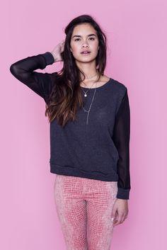 Bluse fra Hollywood mærket LNA Bluse - Camille Sweater - Pris: 200 ,- http://frejafashion.dk/products/camille-sweater