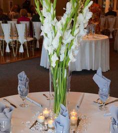 1000 images about wedding flowers on pinterest calla lilies trumpet vase centerpiece and purple. Black Bedroom Furniture Sets. Home Design Ideas