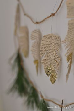 Easy Boho DIY Christmas decorations with a natural, rustic theme. Make these cra… – Unique Christmas Decorations DIY Diy Christmas Garland, Christmas Tree Feathers, Diy Christmas Paper Decorations, Book Christmas Tree, Stick Christmas Tree, Paper Christmas Ornaments, Diy Tree Decorations, Feather Decorations, Natural Christmas Tree