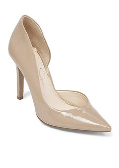 Super versatile and always in style, this nude patent pointed-toe pump is sure to enhance any outfit. A lightly cushioned insole ensures comfortable all-day wear!