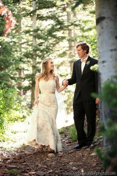 Beautiful outdoor wedding in Utah for this real bride in Anne Barge! Logan Walker Photography.