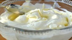 How To Make Homemade Mascarpone Cheese! Creamy homemade mascarpone cheese is an easy homemade cheese recipe that's fun to make right in your own kitchen. Mascarpone Recipes, Mascarpone Cheese, Tiramisu Mascarpone, Milk Recipes, Cheese Recipes, Cooking Recipes, Easy Cheese, How To Make Cheese, Home Made Cream Cheese