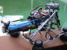 Bluetoothkiwi documents his LEGO Mindstorms Swimming Pool Insect Terminator (SPIT) - it's a great example of the process of problem-solving. Arduino Projects, Lego Projects, Lego Bridge, Lego Machines, Lego Mindstorms, Diy Cardboard, Swim Cover, Lego Creations, Problem Solving