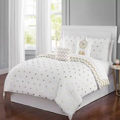 Luxury Bedding Sets On Sale Girls Comforter Sets, Comforter Sets, Bed Design, White And Gold Bedding, Simple Bed, Bedroom Design, Luxurious Bedrooms, Bedding Sets, Girl Bedroom Decor