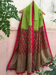 Cotton Dress Indian, Indian Dresses, Phulkari Embroidery, Frocks And Gowns, Cotton Anarkali, Choli Dress, Churidar Designs, Elegant Saree, Scarf Design