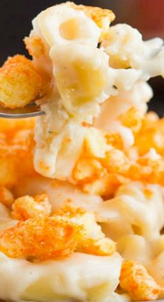 This popular classic, Eight Cheese Mac n Cheese with Cheetos Recipe is for the serious Mac and Cheese lover. Mac And Cheese Casserole, Macaroni Cheese, Mac And Cheetos, Fettucine Alfredo, Best Pasta Recipes, Pasta Soup, Cheese Dishes, Recipe For 4, Fabulous Foods