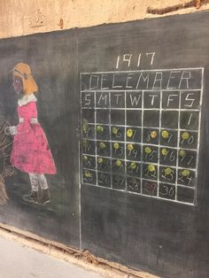 Amazing Century-Old Chalkboard Drawings Were Discovered While Renovating This Oklahoma School Public School, High School, Education Director, Teaching Multiplication, Chalkboard Drawings, Chalkboard Art, School Chalkboard, Teaching Techniques, Frozen In Time
