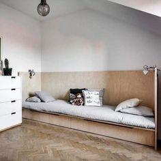 Kids room ideas – Home Decor Designs Wood Daybed, Daybed Room, Kids Furniture, Furniture Design, Plywood Furniture, Chair Design, Design Design, Modern Furniture, Interior Design Living Room Warm