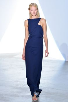 Vionnet Spring 2014 Ready-to-Wear Fashion Show - Charlotte Hoyer