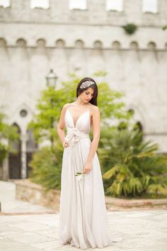 Gorgeous Carol Hannah Bridal Gown at an Italian Castle | Mike Larson Photography | A Romantic Tuscan Bridal Shoot