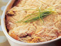 Maukas perunamoussakka on helppo ja edullinen uuniruoka, joka maistuu koko perheelle.