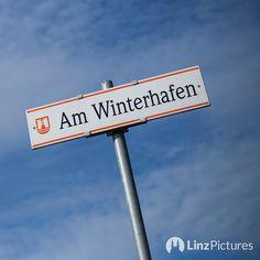 #winterhafen  . . . . . #winter #linz #igerslinz #igersaustria #2k17 #roadsigns #ontheroad #run #sky #view #linzer #hafen #harbour #fromwhereistand #upperaustria #oberösterreich #cold #bluesky