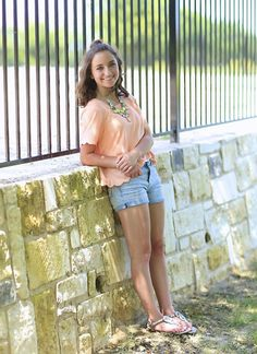 Bailey McKnight THIS OUTFIT IS SO CUTE!!!!