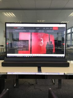Transparent OLED screen technology uses self-lighting LEDs on a transparent substrate - no need for backlighting to create stunning AV & digital signage. Transparent Screen, Touch Screen Technology, Light Emitting Diode, Display Technologies, Retail Windows, Ways To Communicate, Digital Signage, Open Up, Display Case