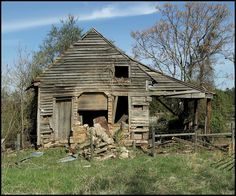 Abandoned farm house in rural Georgia.  Photo credit by saddle.tramp on Flickr.