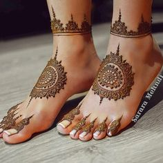 Beautiful Mehndi Design - Browse thousand of beautiful mehndi desings for your hands and feet. Here you will be find best mehndi design for every place and occastion. Quickly save your favorite Mehendi design images and pictures on the HappyShappy app. Henna Tattoo Designs, Mehndi Designs Feet, Legs Mehndi Design, Modern Mehndi Designs, Mehndi Design Pictures, Wedding Mehndi Designs, Dulhan Mehndi Designs, Beautiful Henna Designs, Henna Tattoos