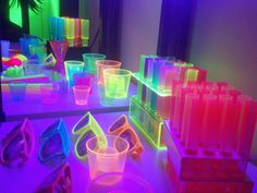 cool neon party supplies for a funky disco party I will definitely be checking these out for my birthday party Neon Birthday, 13th Birthday Parties, 16th Birthday, Birthday Ideas, Invitation Fete, Party Invitations, Neon Licht, Girls Party, Teen Parties