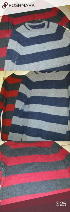 2 for 1 Mens GAP Pullover Sweater's Size Small 2 for the price of 1 Men's GAP pullover sweaters both size small can maybe fit a medium red one was worn 2x the Navy blue has never been worn so new without tags! GAP Sweaters