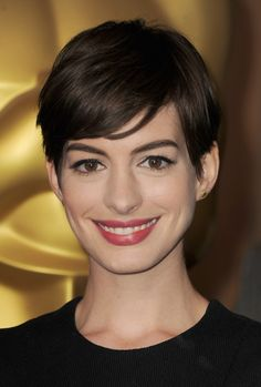 Anne Hathaway Sleek Pixie Cut Hairstyle with Bangs