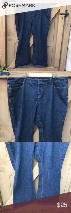 Old Navy flirt boot cut jeans size 22 Old Navy flirt boot cut jeans size 22: waist 22 in across inseam 31 in. Bin 7. Old Navy Jeans Boot Cut