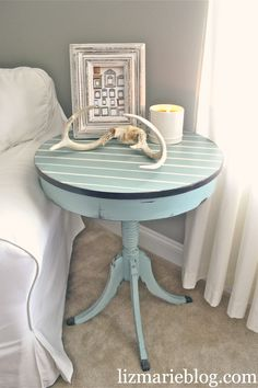 Especially like the antlers as decor on the table. Shabby Chic Pinstriped end table. Using Annie Sloan Chalk paint {Duck Egg blue & Old White} Paint Furniture, Furniture Projects, Furniture Makeover, Furniture Design, Chair Design, Modern Furniture, Dresser Makeovers, Diy Projects, Chair Makeover