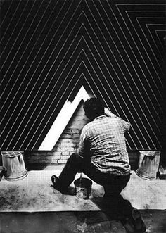 Frank Stella at work. I'm becoming suspicious of my admiration for artists from the 60s and 70s.