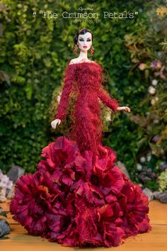 Gorgeous doll in stunning gown. Barbie Gowns, Barbie Dress, Barbie Clothes, Fashion Royalty Dolls, Fashion Dolls, Barbie Mode, Diva Dolls, Glamour Dolls, Beautiful Barbie Dolls