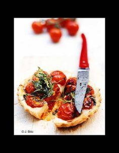 Tartelettes tomates-cerises et roquette