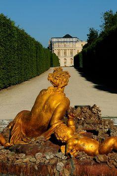 This Troubled Mind Of Mine Chateau Versailles, Versailles Garden, Palace Of Versailles, Statues, Paris Seine, Montmartre Paris, Luís Xiv, French History, Paris City