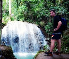 This is a must-visit in Siquijor. Some locals and foreigners are working together to make trails going to the 13 waterfalls in this place and you are going to meet them there because they are living/camping in that place(see my next post). They named each waterfalls after the zodiac signs. This one in the photo is the main falls which is Lugnason falls.  #chasingwaterfalls #gayhopper #gaytravel ( #📷 @socialmedia_manager )