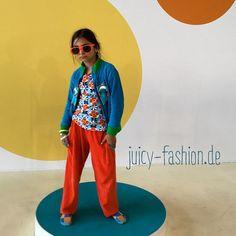 Die #FashionWeek ist an uns nicht spurlos vorbei gegangen  Der coole #DunsSweden hat hier seinen Auftritt gefunden  Natürlich gibt's das alles auch in unserem #Onlineshop #Biomode #Kindermode #Berlin #diestadtberlin #Fotoshooting #iphonefoto #kinderbekleidung #kindergartenmode #juicyfashion #kidsfashion