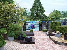 Hermadix kleuren presentatie bij modeltuinen. Patio, Outdoor Decor, Home Decor, Decoration Home, Terrace, Room Decor, Porch, Interior Decorating, Courtyards