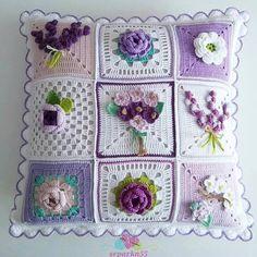 Crochet Granny Square Pattern Flower Afghans Ideas For 2019 Crochet Cushion Cover, Crochet Pillow Pattern, Crochet Motifs, Crochet Cushions, Granny Square Crochet Pattern, Crochet Flower Patterns, Crochet Squares, Crochet Flowers, Knitting Patterns