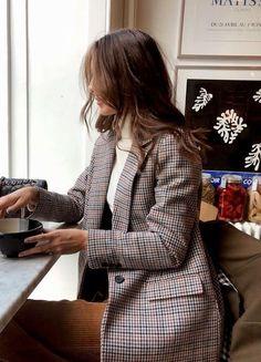 @InnaRomanovich - #InnaRomanovich #negocios High Fashion, Womens Fashion, Top 14, Bomber Jacket, Classy, Blazer, Jackets, All Over The World, We Heart It