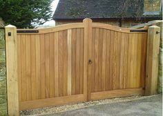 Picture of Henley - H2A wooden driveway gate pairs - 130/200/300mm rise