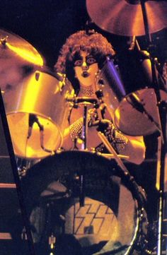 Eric Carr, System Of A Down, Kiss Pictures, Kiss Band, Hot Band, Ace Frehley, Cool Bands, Live Life, Tours