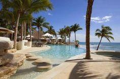 El Mahekal Beach Resort está ubicado frente al mar, en Playa del Carmen, El centro de buceo Vida Aquática ofrece cursos en aguas abiertas con certificación #Hoteles #Mexico #Travel